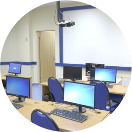 Оборудованный компьютерный класс центра Специалист
